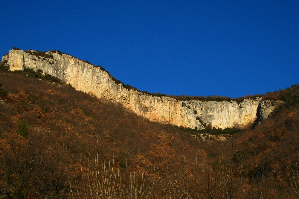 Falaise de l'Eson à Pont-de-Barret (Drôme) - photo CamptoCamp.org