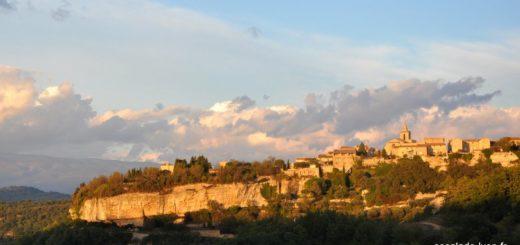 Le village de Vénasque dans le Vaucluse