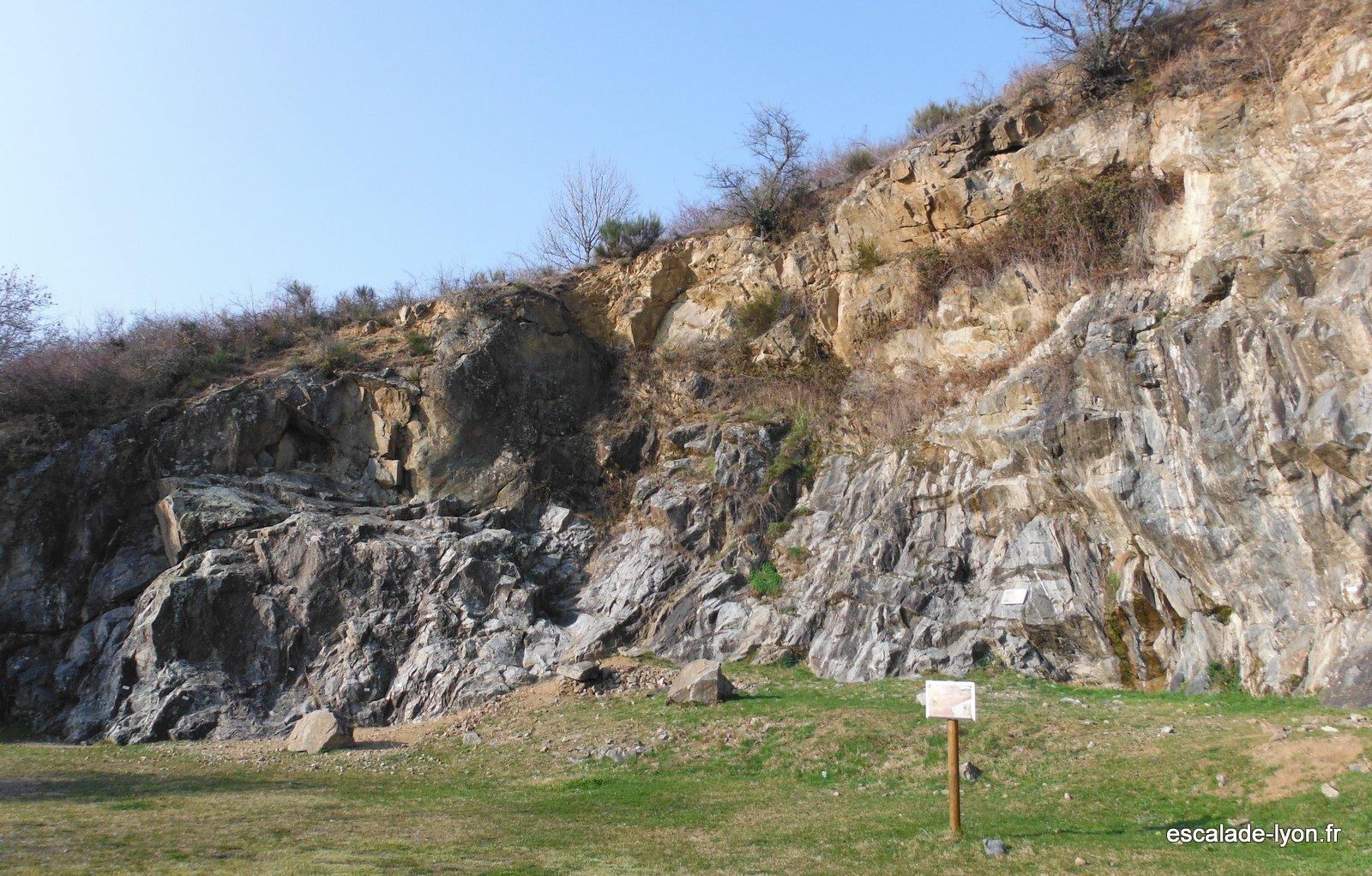 Escalade dans les monts du lyonnais à Riverie escalade-lyon.fr