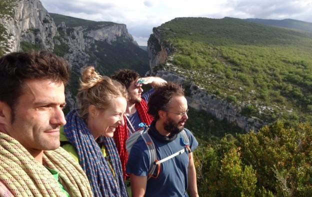 Escalade entre amis dans les gorges du Verdon