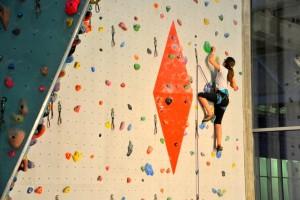 Escalade Jeunes Club Alpin Lyon-Villeurbanne à Curis à AZIUM