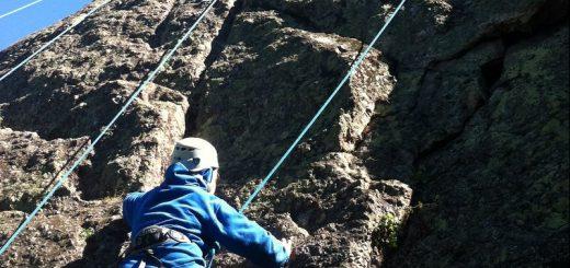 Escalade en falaise jeunes