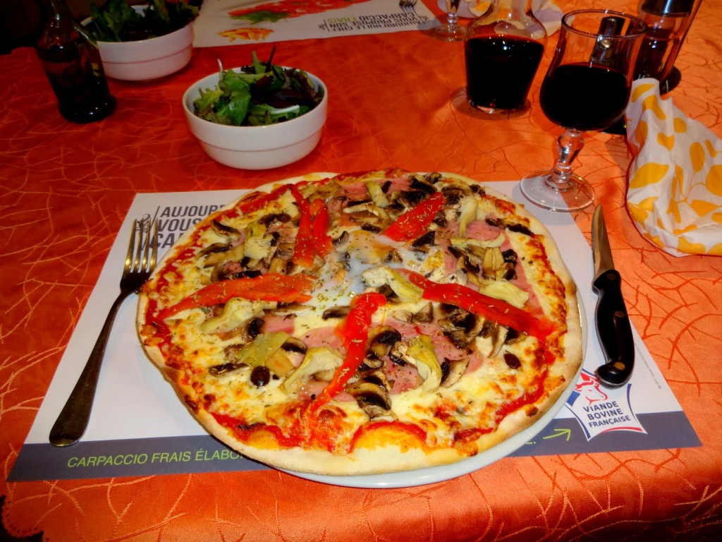 La pizza de l'auberge de Calendal aiglun