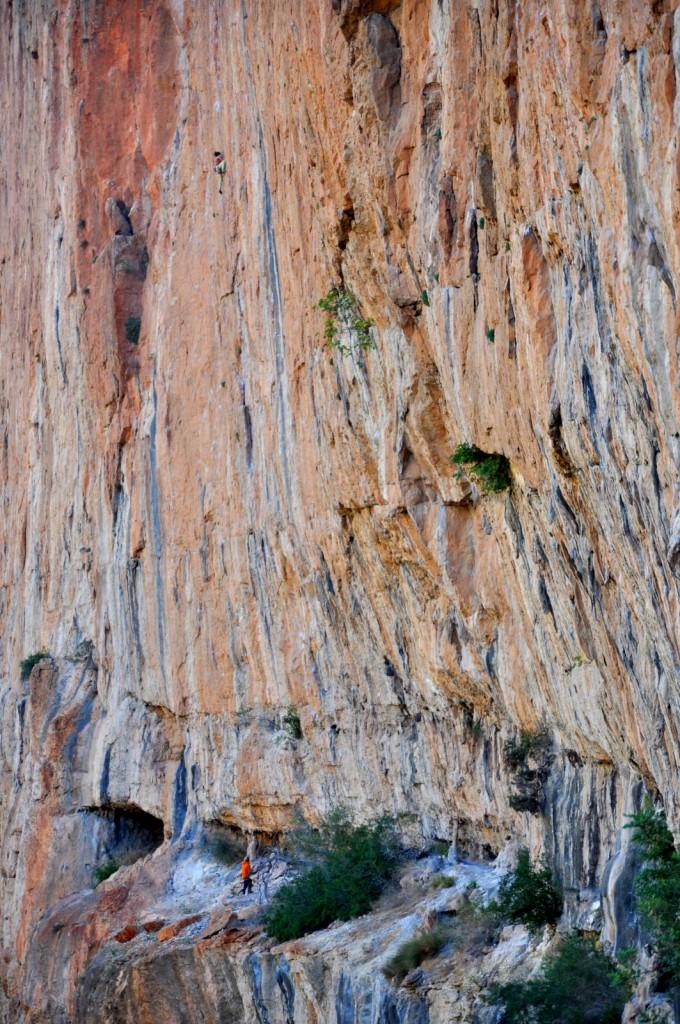 Margaud et Mika au secteur Balcon, le secteur de la falaise avec une forte concentration de voie en 8