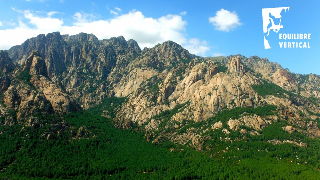 Les aiguilles de Bavella : paradis de la grimpe et du canyoning en Corse