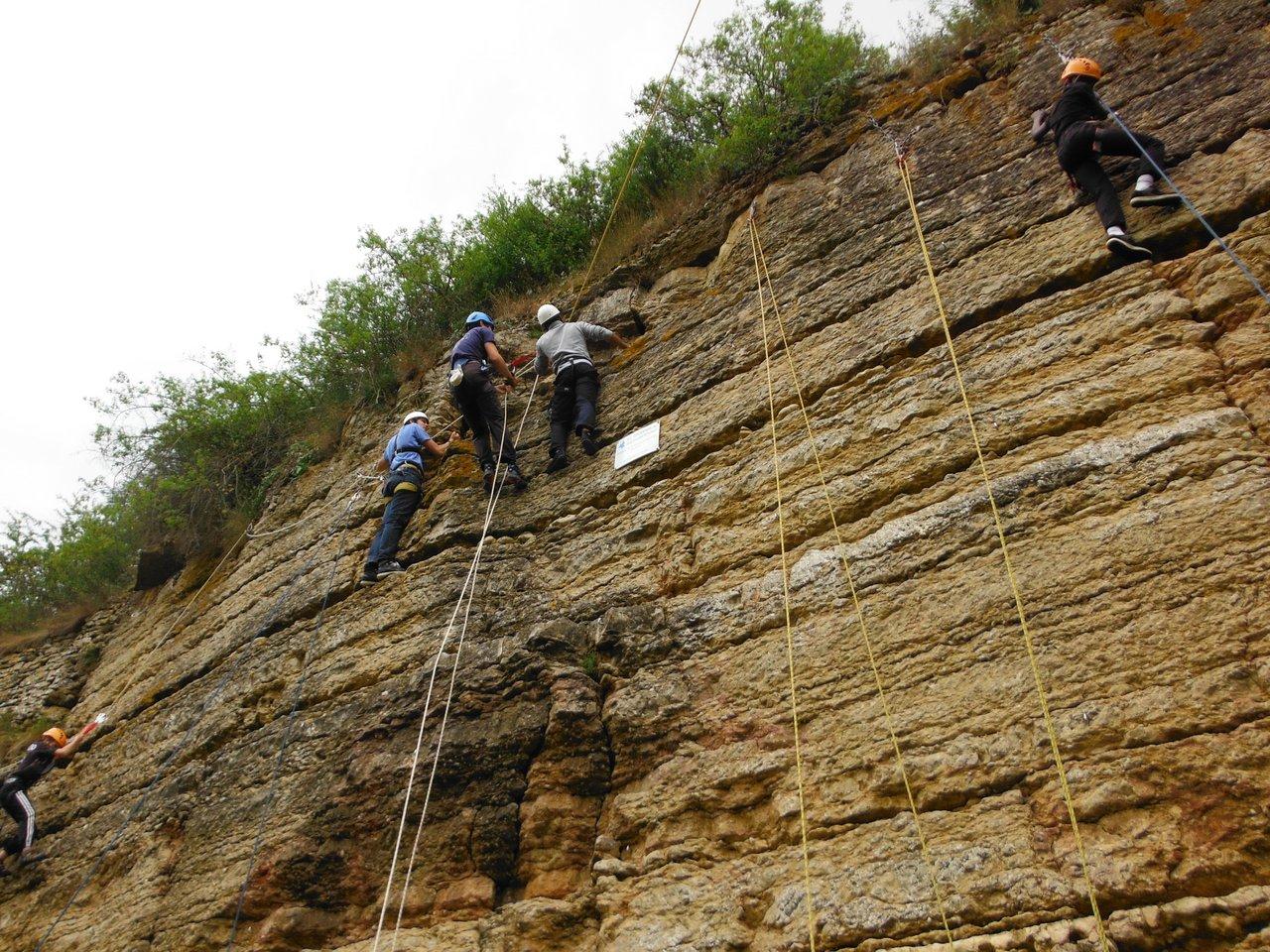 Atelier rappel à l'école d'escalade de Limas