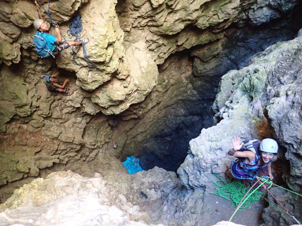 grimpeurs-escalade-calanques-lagon-bleu