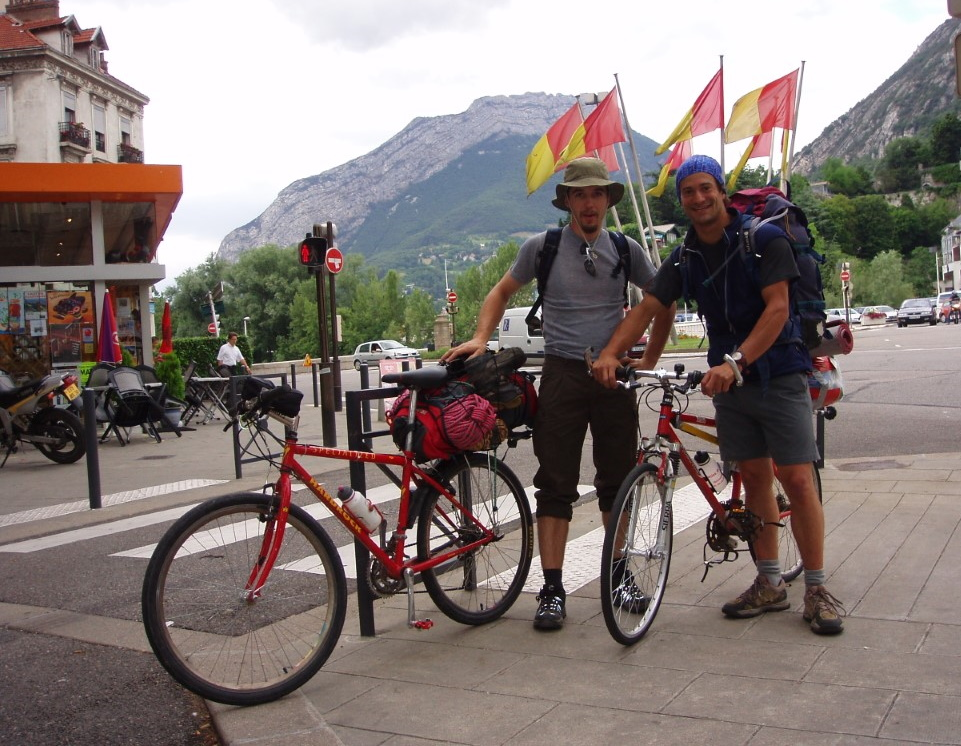 écrins-vélo-départ-grenoble-alpinisme