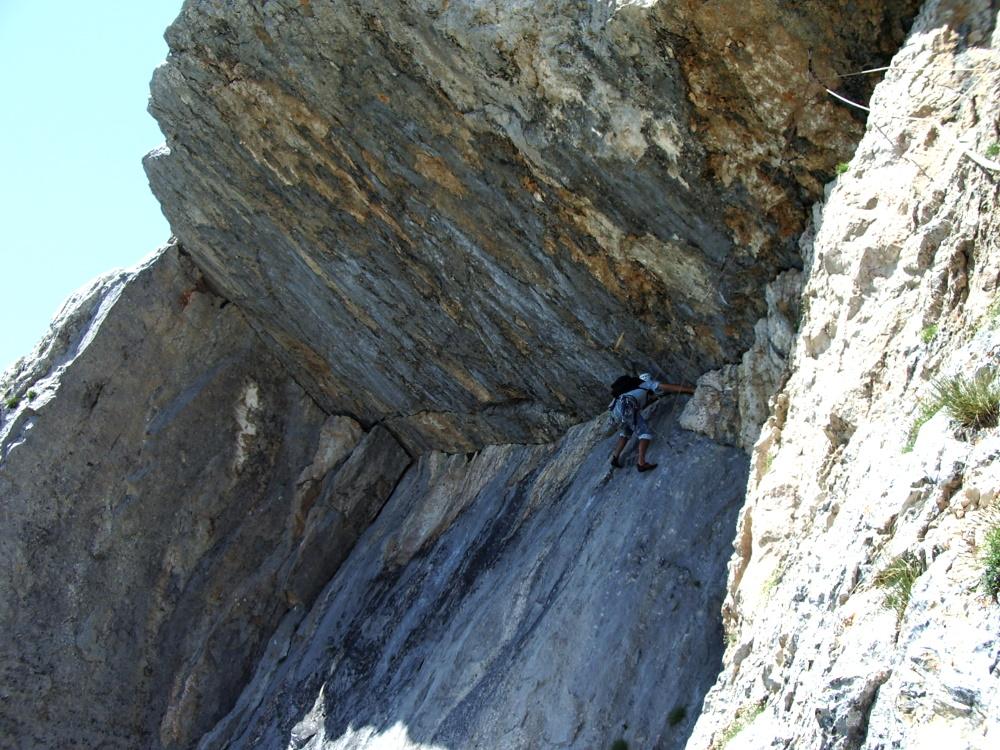 escalade-vercors-grimpeur-2-soeurs-voie-surplomb