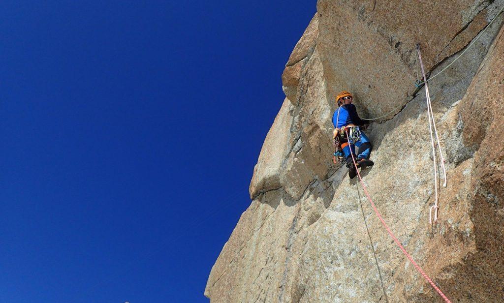 escalade-chamonix-mont-blanc-guide-pierrick-fine-aiguille-midi-superdupont