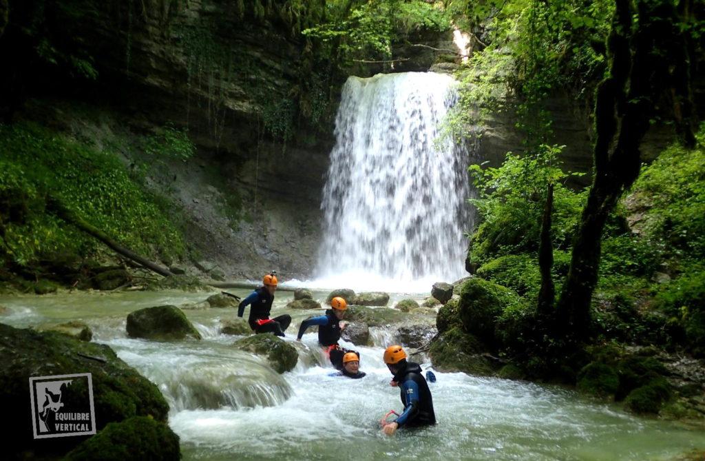 canyon-canyoning-lyon-ain-bugey-tréfond-pernaz-cascade