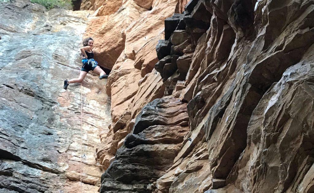 escalade-falaise-curis-paysage-autour-de-lyon