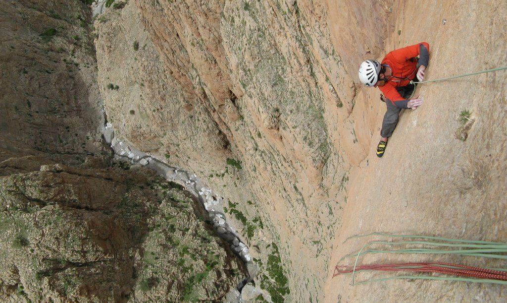 canyon-gorges-escalade-grande-voie-maroc-axe-du-mal-eric-chaxel