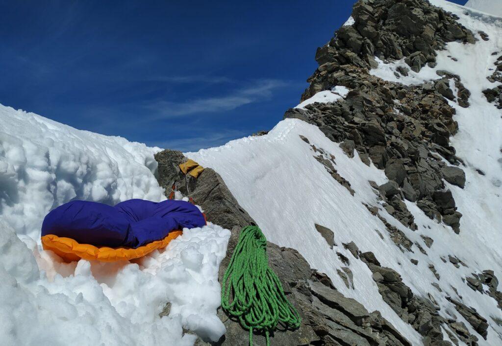 bivouac-montagne-neige